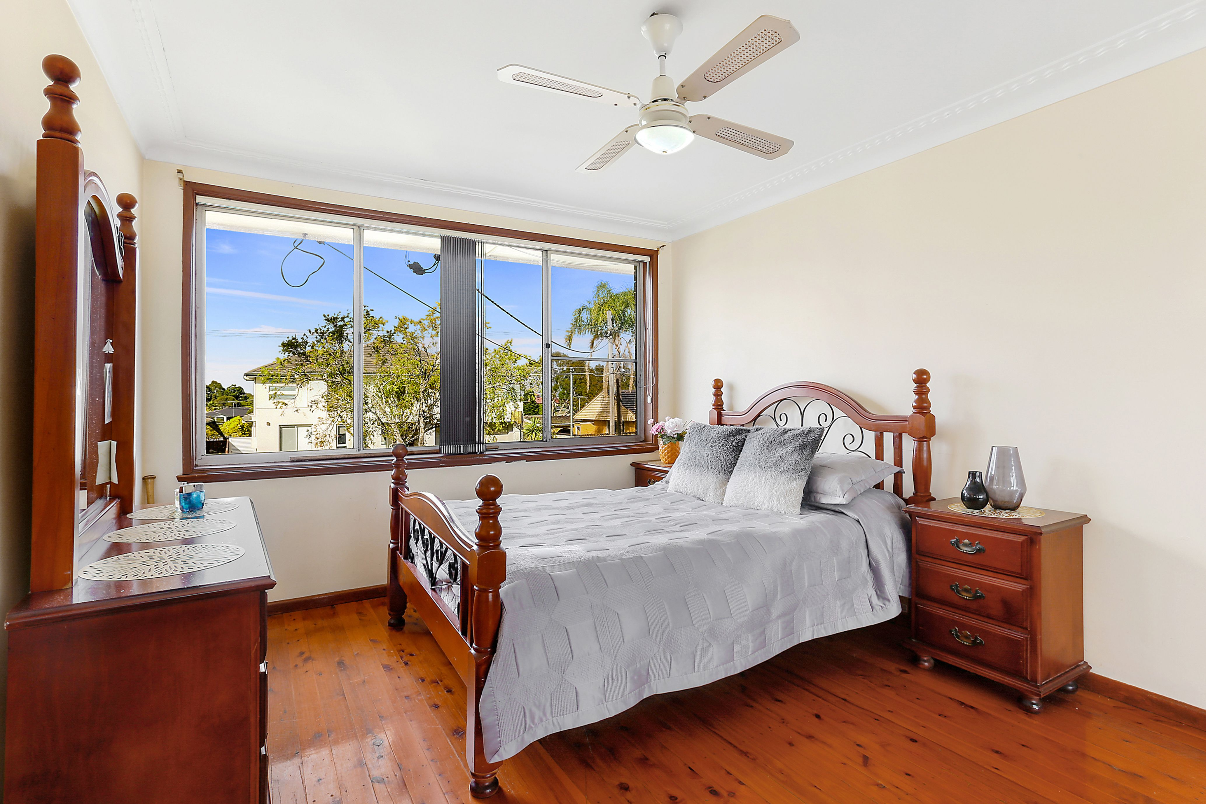 19 Universal Avenue, Georges Hall NSW 2198