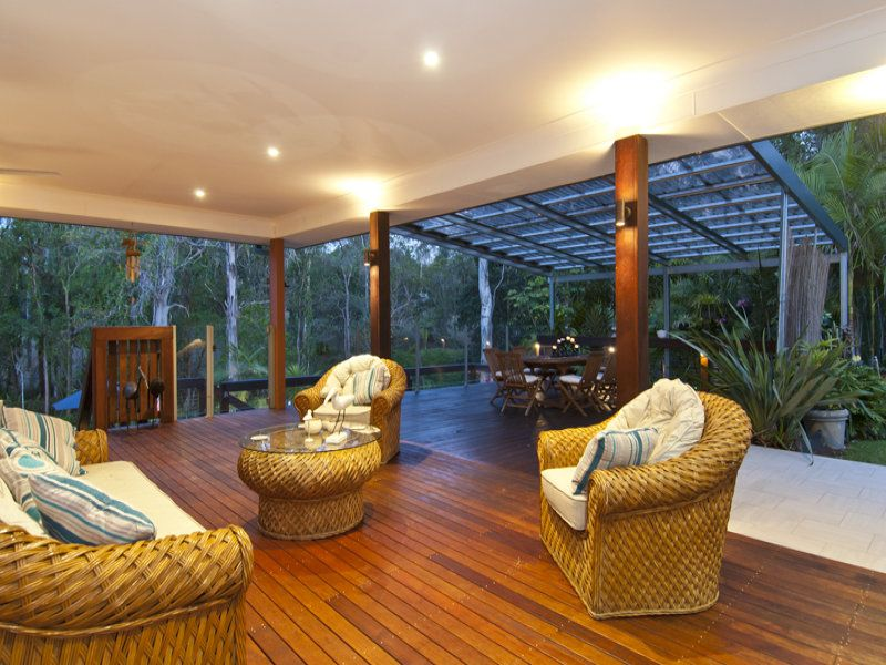 SUPERB PRIVATE  ENTERTAINER + 2 SEPARATE SELF-CONTAINED STUDIO UNITS + HUGE SHED...