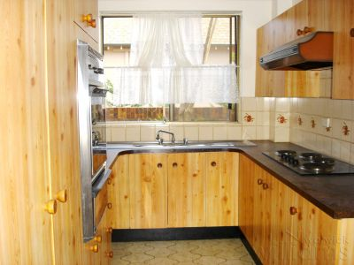 CLOSE TO BUS, SHOPS, PARK & WATER