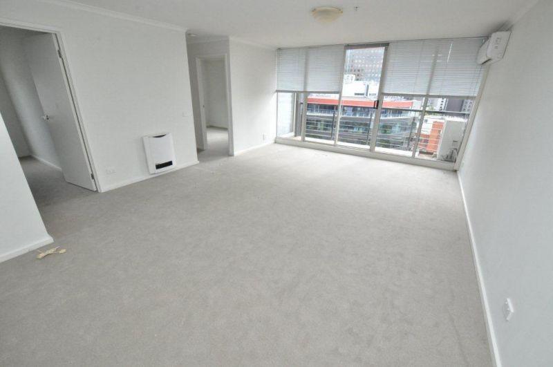 Southbank Condos: 11th Floor - Enjoy The Modern Southbank Living! L/B