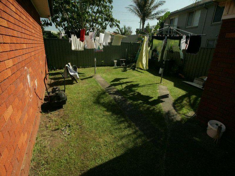 4/10 Beach Drive, Woonona NSW