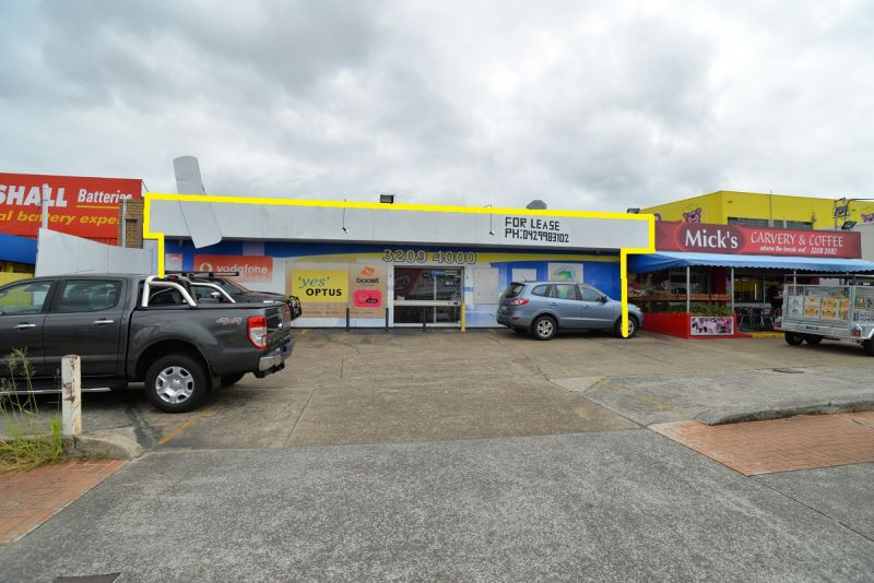 GROUND FLOOR RETAIL/ OFFICE - IN BUSY MOSS ST LOCATION