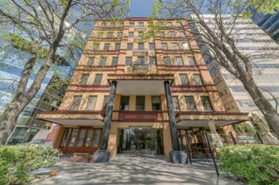 New York Loft Style Office in St Kilda Road!