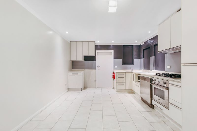 Fully Furnished 2 bedroom Apartment close to Sydney University and UTS