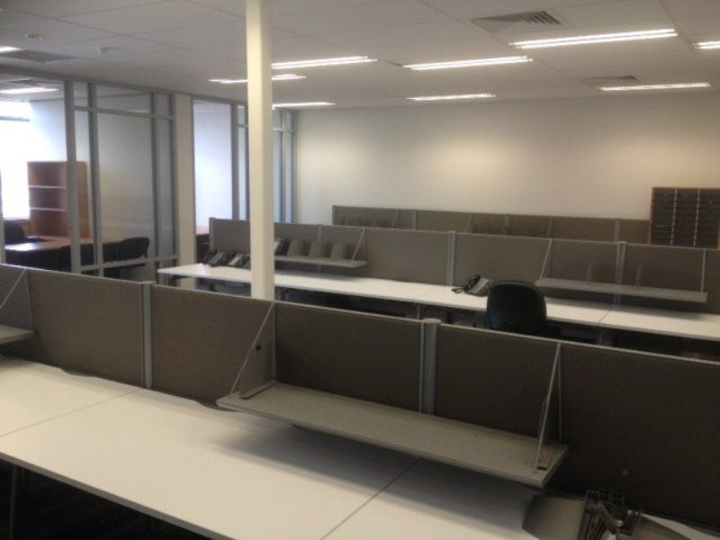 AMAZING OFFICE WITH FITOUT FURNITURE & AT A GREAT VALUE RENT!