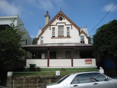 BOARDING HOUSE WITH 16 ROOMS! RENOVATION OR CHANGE OF USE POTENTIAL. CREATE APARTMENTS STCA, RENOVATE OR CREATE A LARGE HOME. ZONED B4 MIXED USE