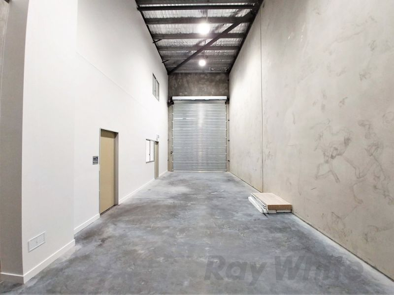 FRONT CORNER UNIT - CORPORATE OFFICE/WAREHOUSE