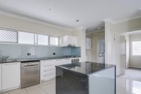 Spacious and Modern Apartment in a convenient location!