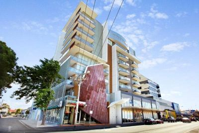 Charming Two Bedroom Apartment in the Centre of Footscray!