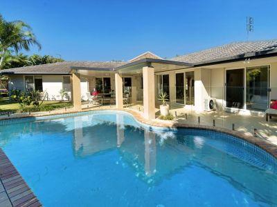 Modern Family Home Prestige Paradise Quays Estate