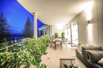 Fabulous Penthouse with Private Rooftop Terrace and Marina Berth