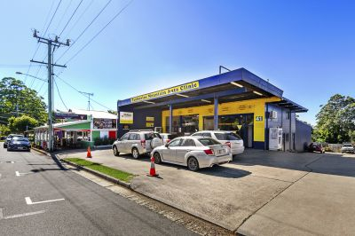 7.7% Net Return! RARE AND GOLDEN OPPORTUNITY FOR A DESTINATION BUSINESS! MAIN STREET NORTH TAMBORINE INVESTMENT WITH DOUBLE INCOME!