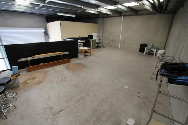 LEASED BY RYAN MCMAHON - 161m² WAREHOUSE UNIT