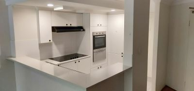 2 bedroom, 2 storey available mins walk to Darling harbour.