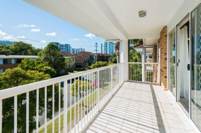 North Facing Apartment - Only Metres from the Beautiful Broadwater