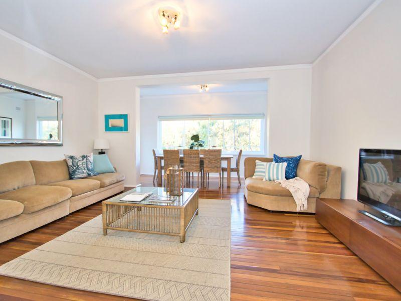 Stylish House-sized Beachside Apartment