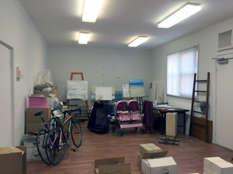 OFFICE/CONSULTING ROOMS!