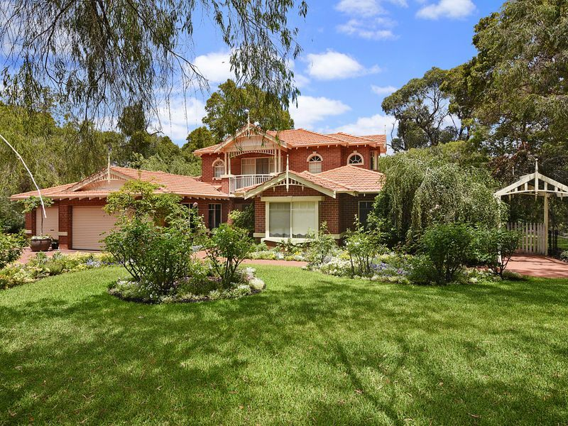 FLAWLESS LESCHENAULT RESIDENCE