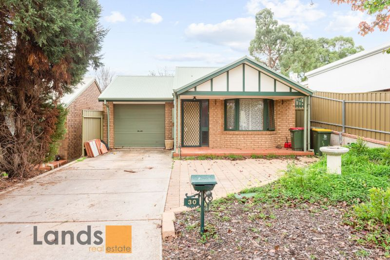 Light-Filled Two Bedroom Home in Greenwith