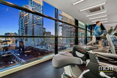 Australis: Stunning One Bedroom Apartment in the Perfect CBD Location!