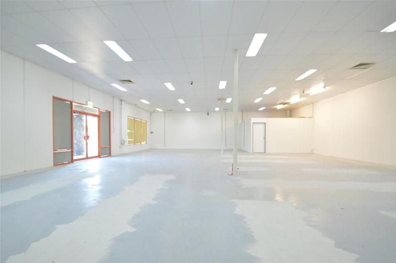 OPEN COMMERCIAL SPACE