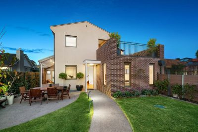 Easy Modern Lifestyle in a Premium Location