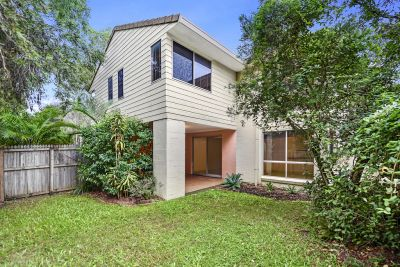 BARGAIN BUY IN SOUGHT AFTER BIGGERA WATERS COMPLEX