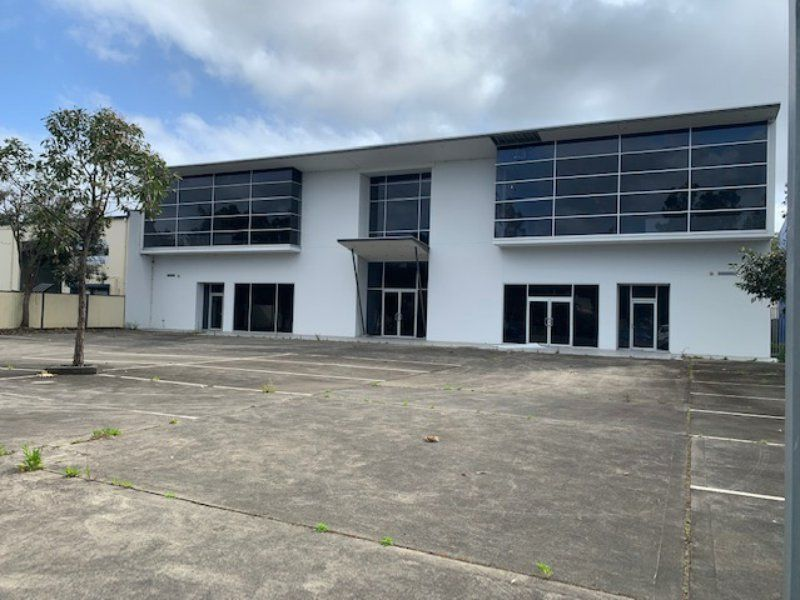 FREESTANDING BUILDING IN THE INDUSTRIAL HUB, LOCATED ON 1,925M2 LAND