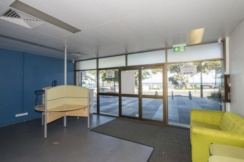 149m² OFFICE OR RETAIL SPACE ON REDCLIFFE PARADE
