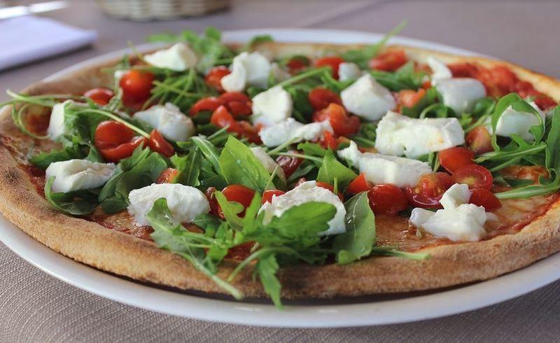 Pizza Restaurant, Licensed Taking $40Kp.w in Winter / $80K p.w in Summer