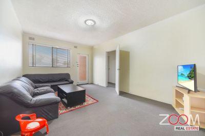 Ground floor two-bedroom apartment in the heart of Campsie