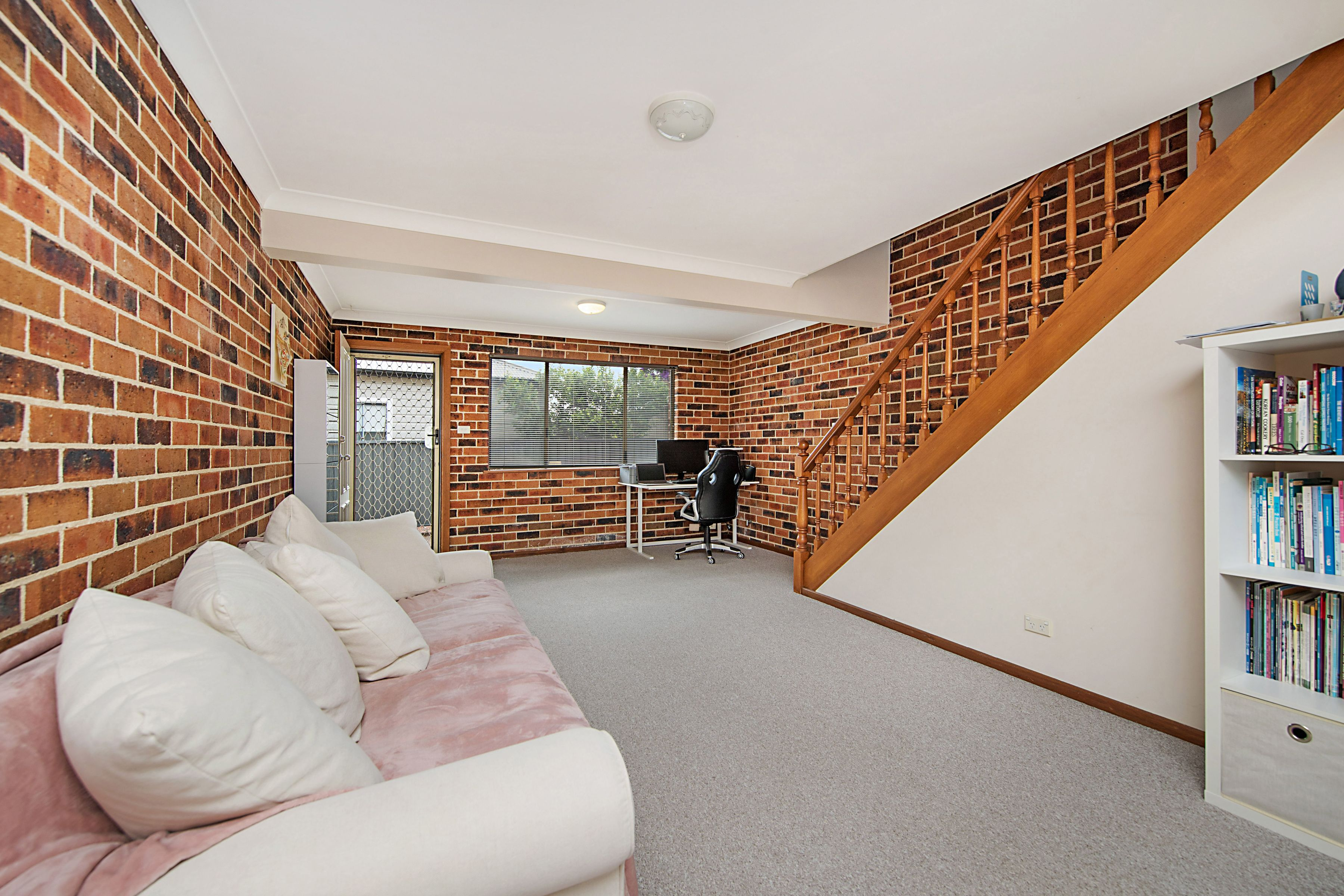 6/78 Teralba Road, Adamstown
