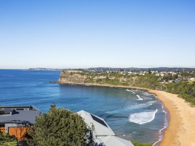 Majestic Bungan Beach House and Views