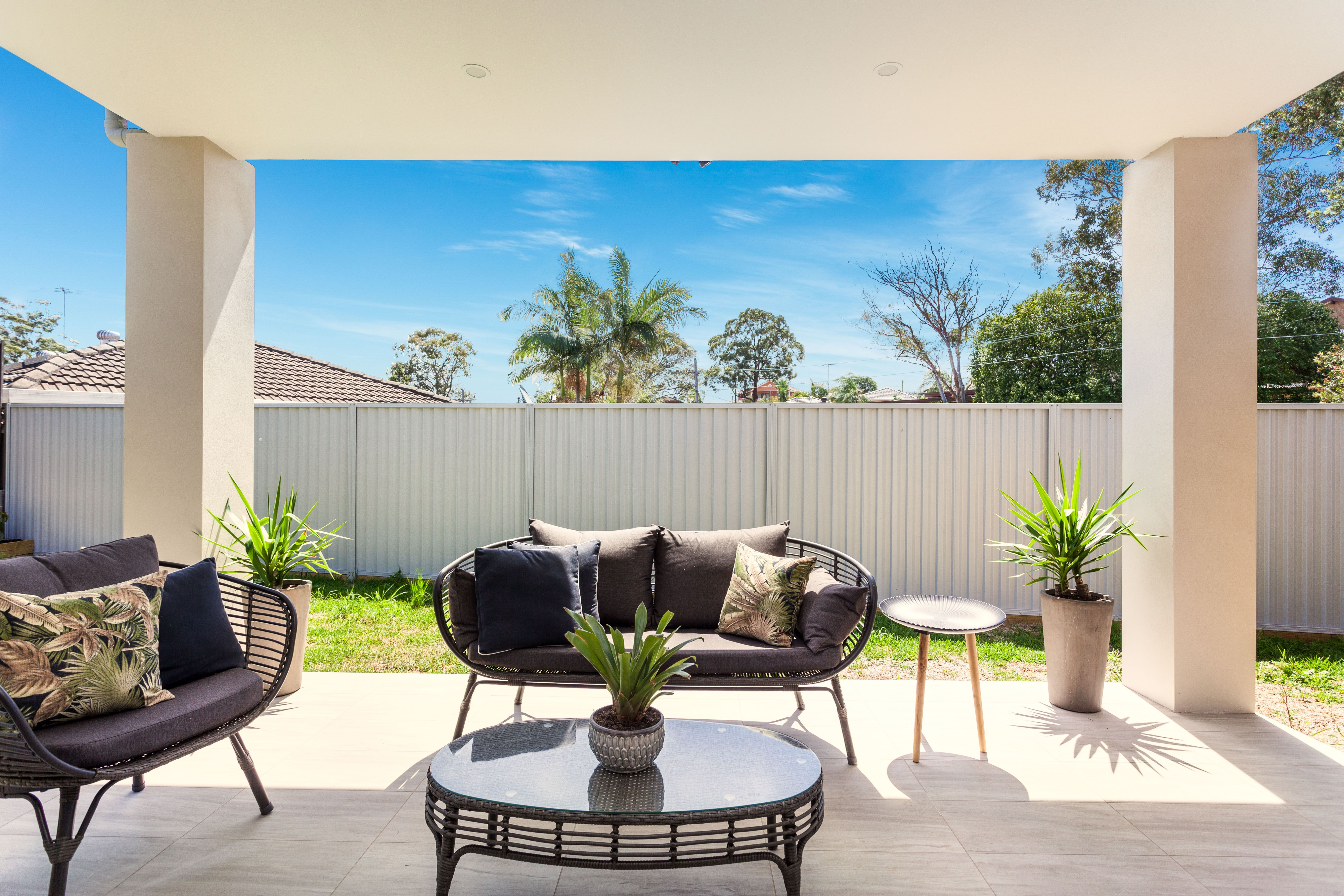 16 Lincoln Road, Georges Hall NSW 2198