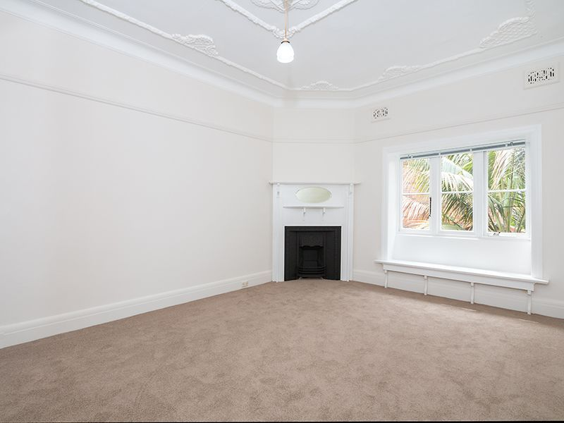 RENOVATED WITH HUGE BUILT IN WARDRODE