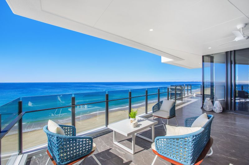 Luxury Residential Beachfront Apartment in the Heart of Surfers Paradise