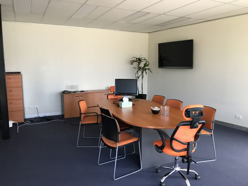 Best Value Office in Port Melbourne - FREE INTERNET & NO OUTGOINGS!