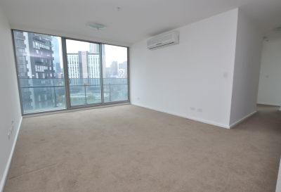 3 Bedroom Corner Apartment with Incredible Views!