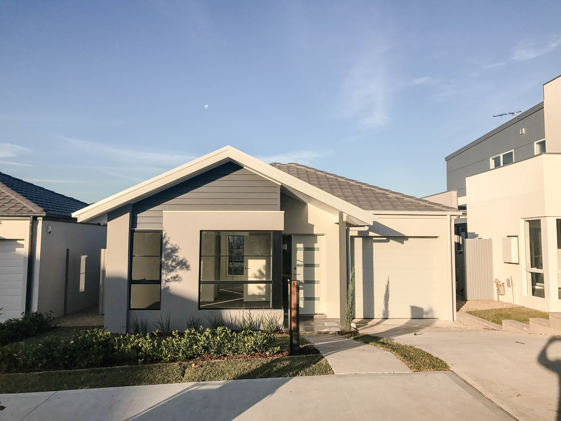 Moorebank 41 Greenview Drive