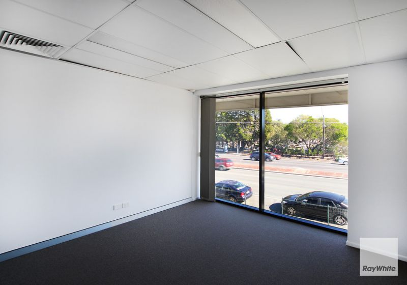 Open Planned Office Space Positioned & Ready for Business!