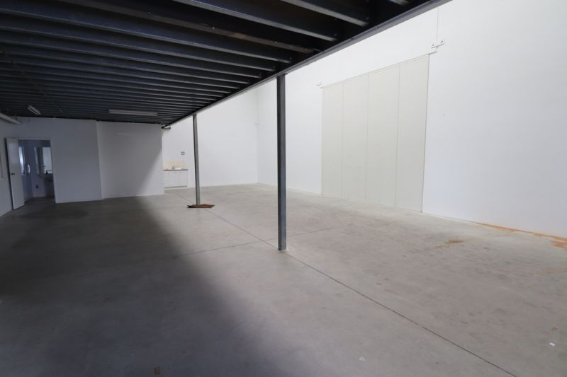Highly Functional Warehouse With Multiple Office Spaces - Urgent Action Required