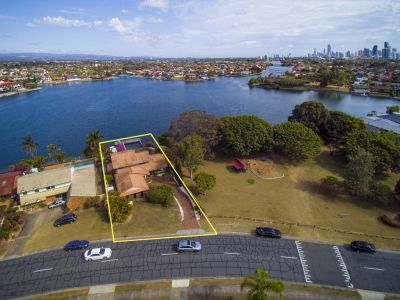 IRREPLACEABLE SPECTACULAR NORTH FACING WATERFRONT LOCATION