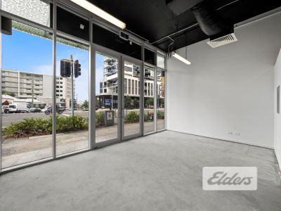 HIGHLY EXPOSED RETAIL OPPORTUNITY