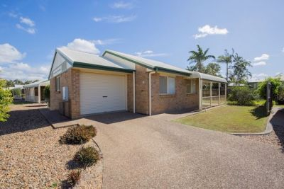 RARE STAND ALONE UNIT IN SECURE COMPLEX… PRICED TO GO!