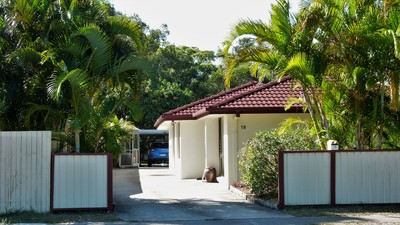 Under Contract Tidy 3 Bedroom and study, beach house, with pool, 3 minute walk to beach. Offers over $460,000