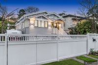 Exquisitely Renovated Modern Queenslander!