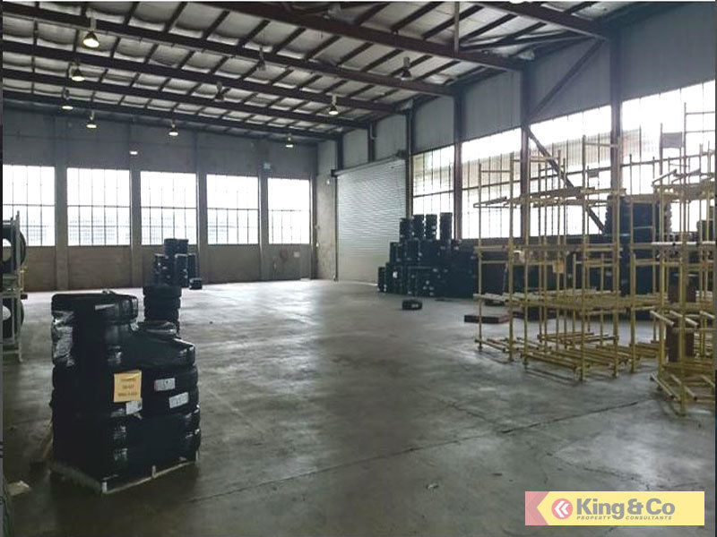 ATTRACTIVE WAREHOUSE - GREAT VALUE!