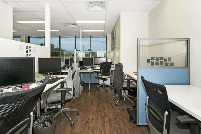 Fully Fitted Out Corporate Office Suite In Corridor Business Centre