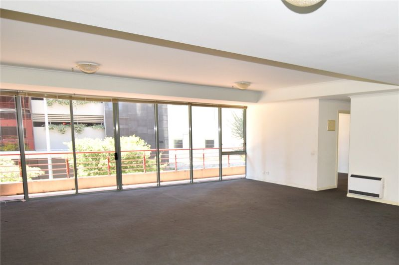Southbank Towers: 2nd Floor - Spacious Three Bedroom Apartment with Two Car Spaces!