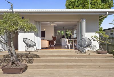 Beautifully Restored Cottage in the Heart of the TSS Precinct